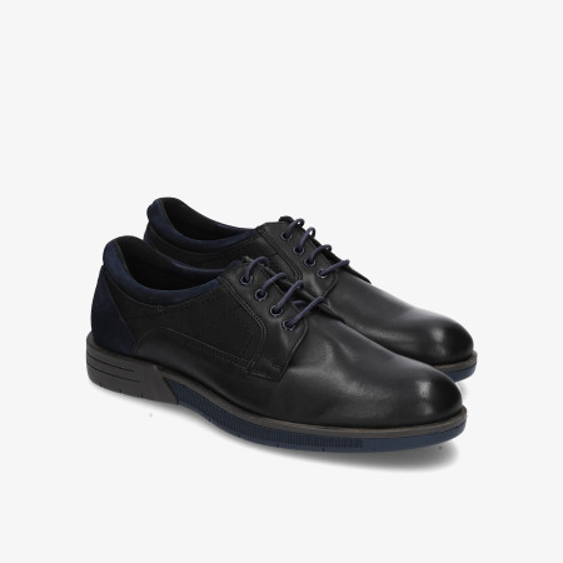 Zapatos casual Traveris en negro