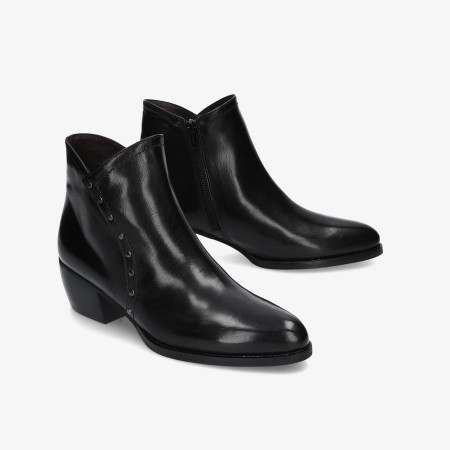 Ankle boots pabloochoa.shoes in black