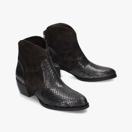 Ankle boots pabloochoa.shoes in grey